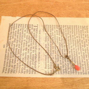 ポッケニのネックレス